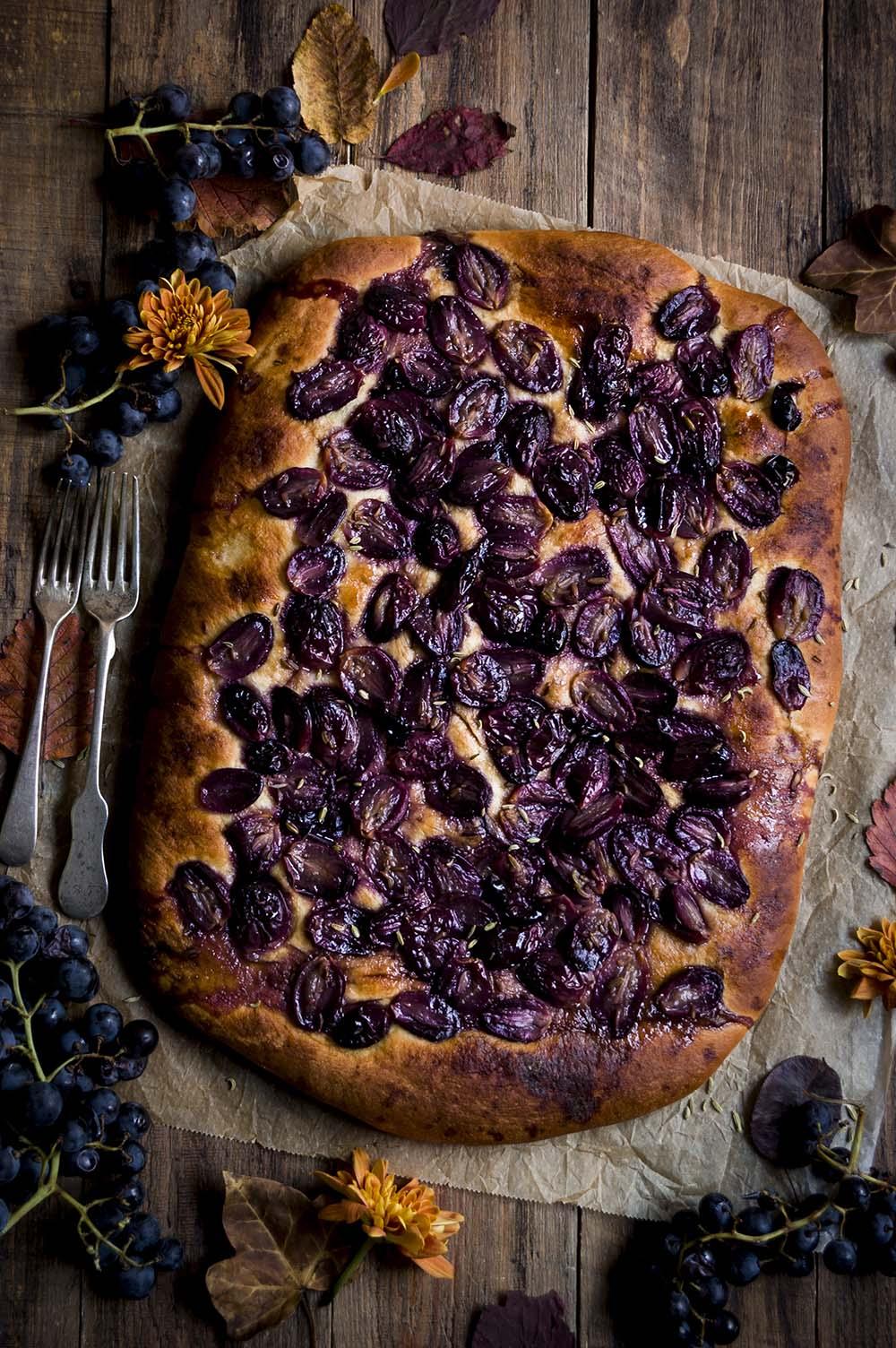 fotografia schiacciata con uvas