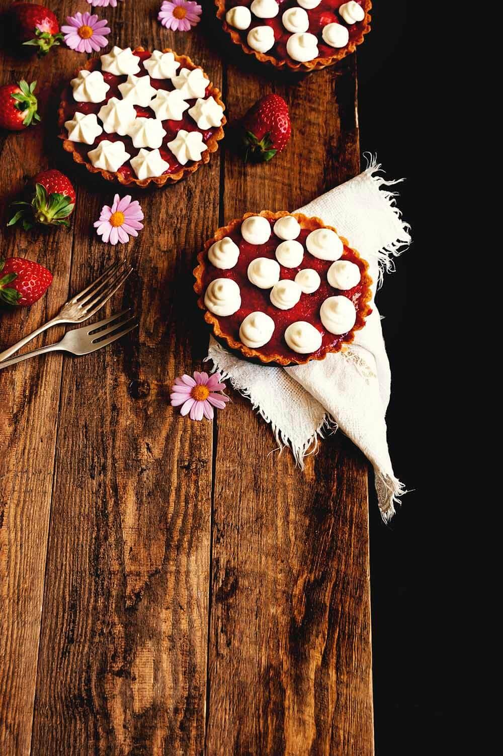 tartaleta de fresas con nata