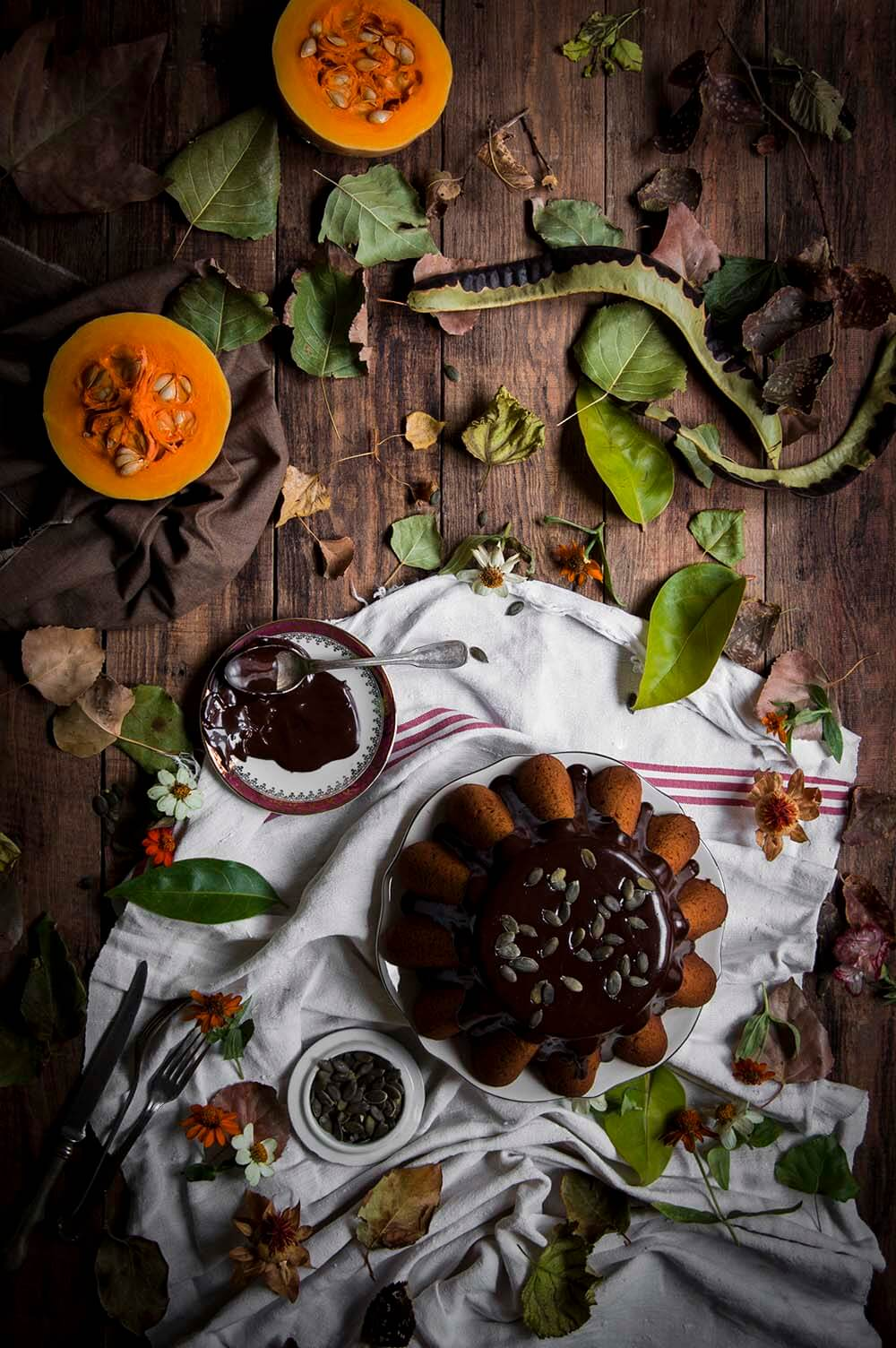 receta de bundt cake de calabaza con salsa de chocolate