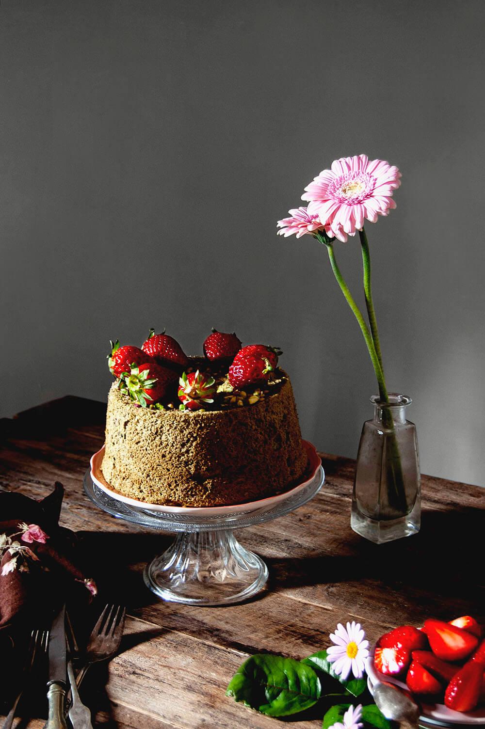 receta de angel food cake de te matcha y pistacho